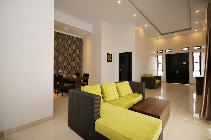 Airy Bandara Sultan Syarif Kasim II Putri Indah Pekanbaru - Living Room