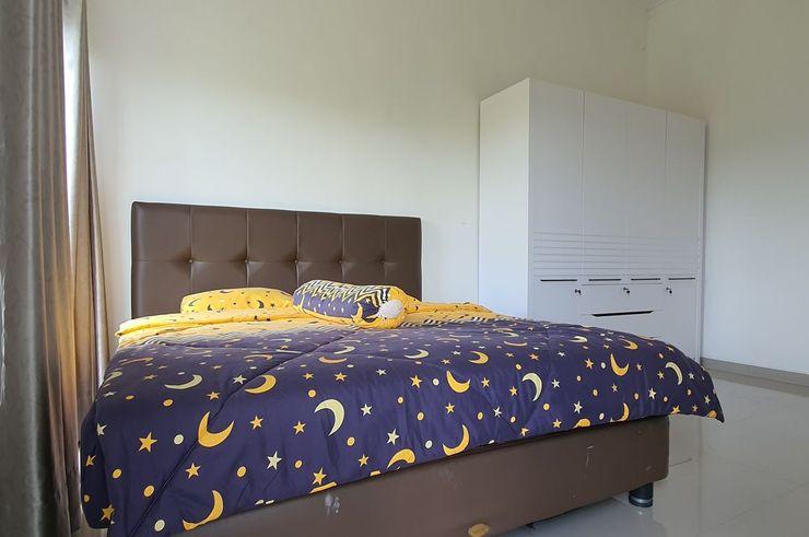 Irwansyah Homestay Jember - Room