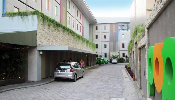 POP! Hotel Legian Dewi Sri - Entrance area