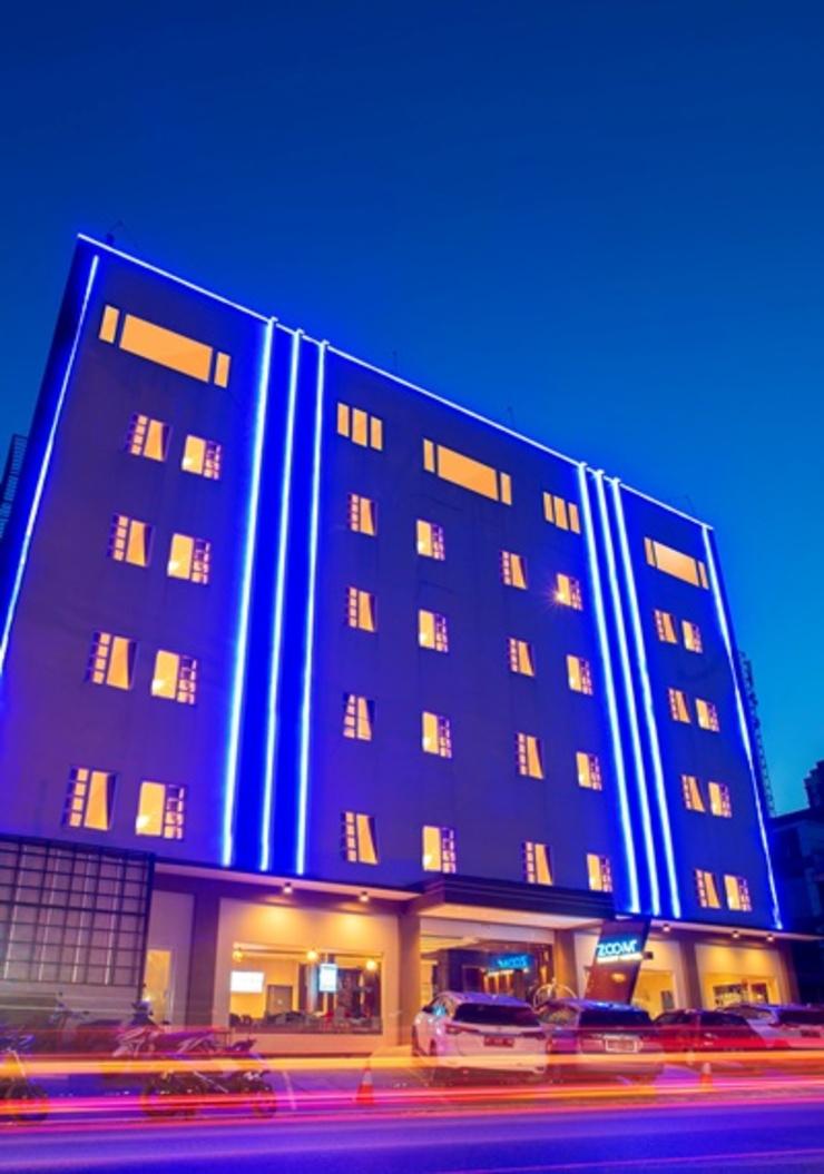 Zoom Hotel Mulawarman Samarinda - Exterior