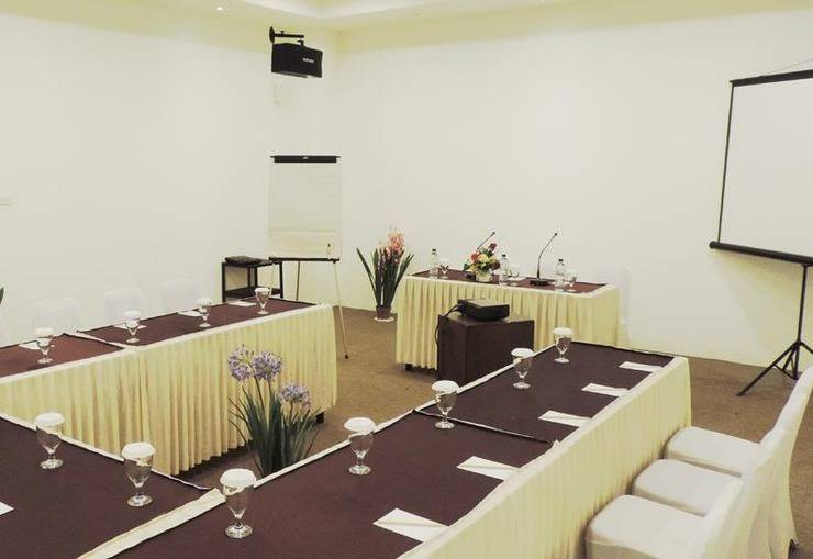 Arbor Biz Hotel Makassar - Meeting Room