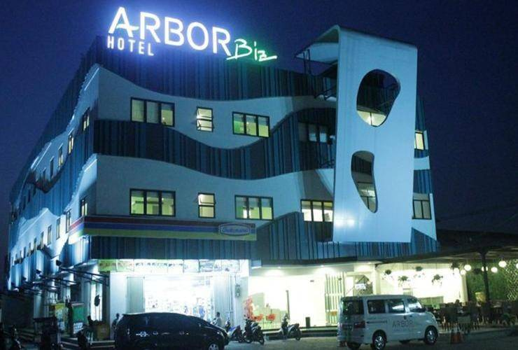 Alamat Review Hotel Arbor Biz Hotel - Makassar