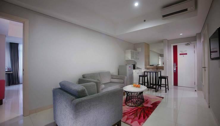 favehotel Losari - Makassar - Ruang tamu Kamar Eksekutif