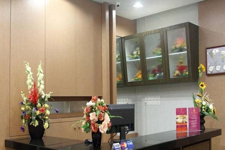 New Legend Hotel Makassar - Resepsionis