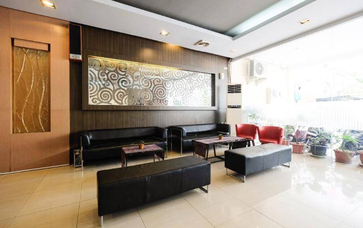 New Legend Hotel Makassar - Lobby