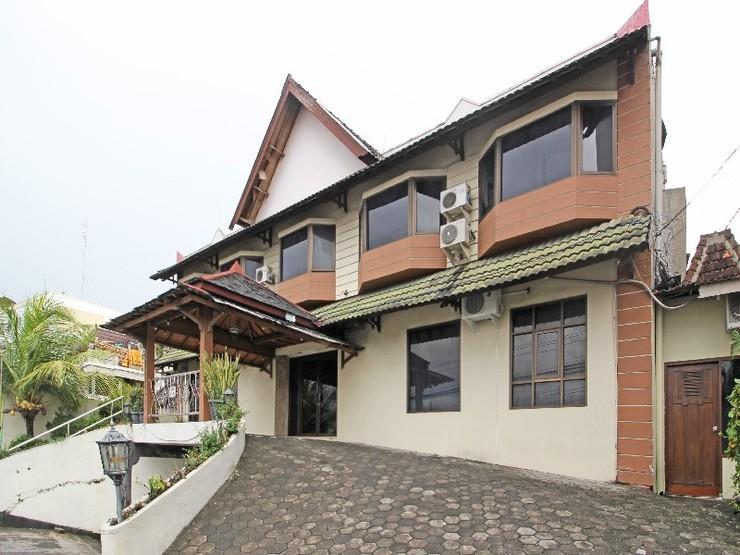 RedDoorz near Malioboro Tugu Station Jogja - Exterior