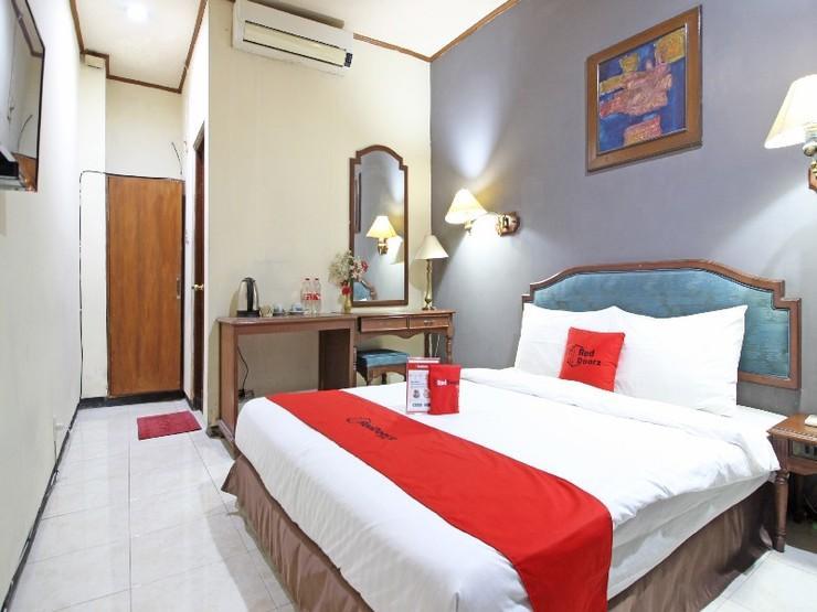 RedDoorz near Malioboro Tugu Station Jogja - Guestroom