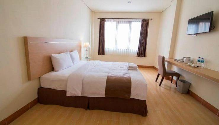 REVAYAH Hotels Manggarai - Room