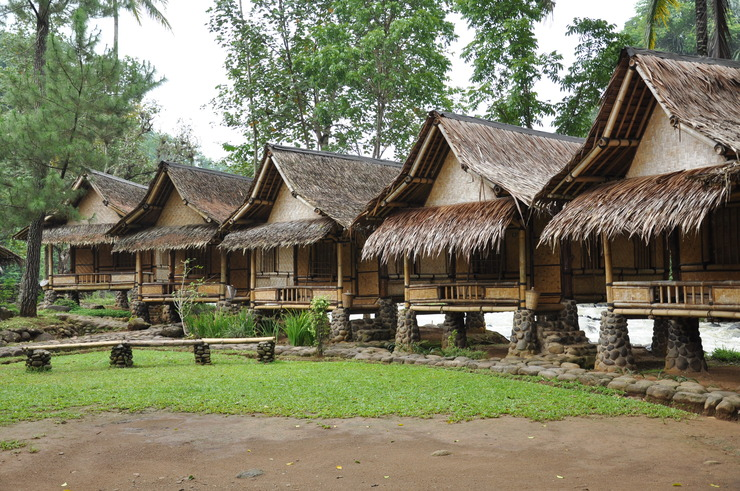ArusLiar Nusa Traditional Cottage Sukabumi - Facade