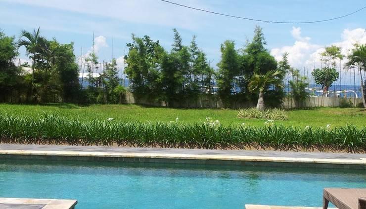 Yamari Villa Lombok - pemandangan laut dari kolam renang