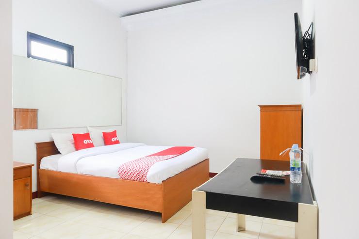 OYO 2030 Melawai Homestay Jakarta - Bedroom