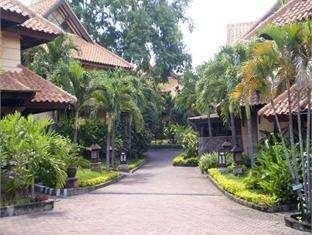 Hotel Equator Surabaya -