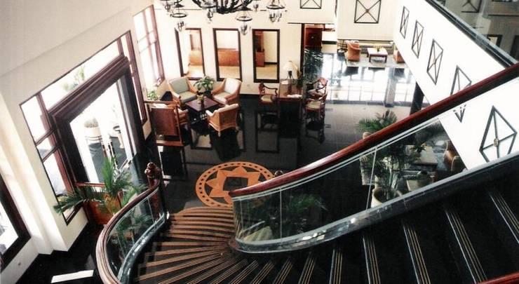 Hotel Equator Surabaya - Lobi