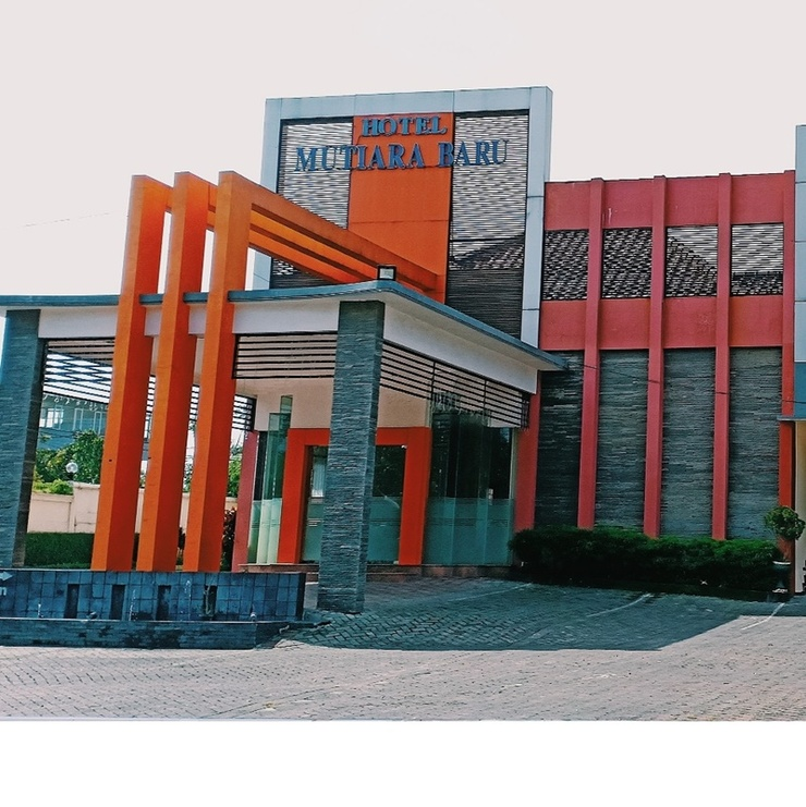 Hotel Mutiara Baru Malang - Exterior