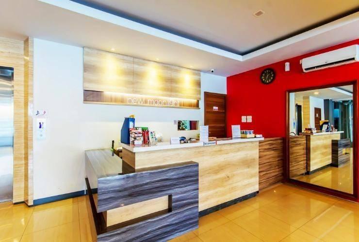 New Moonlight Hotel Bandung - Receptionist