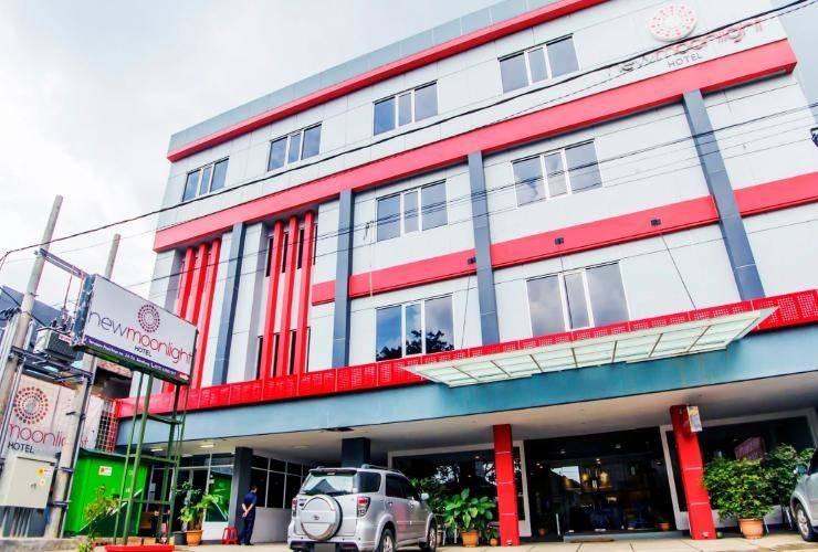 New Moonlight Hotel Bandung - Hotel Building
