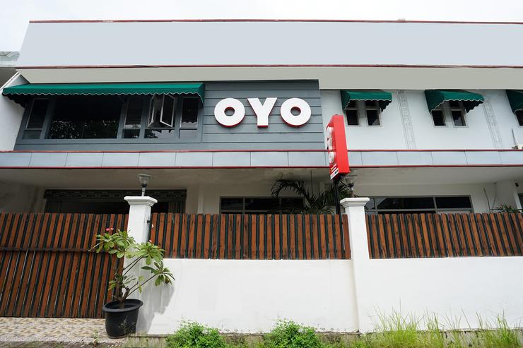 OYO 473 Darmo permai Guesthouse Surabaya - Facade