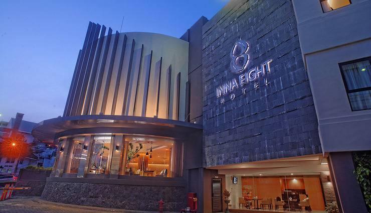 Yunna Hotel Lampung - Tampilan luar hotel