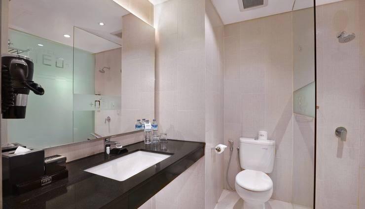 Neo+ Kuta Legian - Neo+ Kuta Legian Bedroom Superior 3 Bathroom