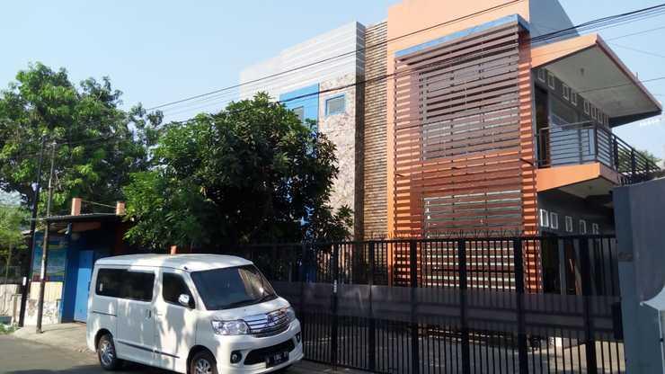 Colorbox House Probolinggo - Exterior