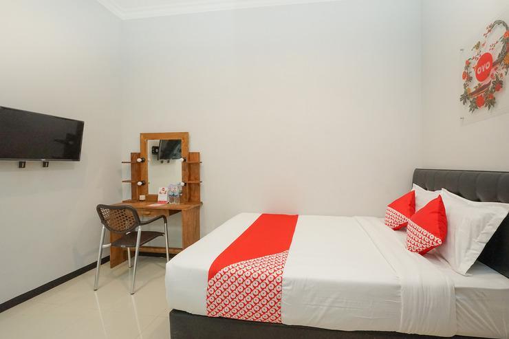 OYO 384 Omah Pitu Surabaya - Bedroom