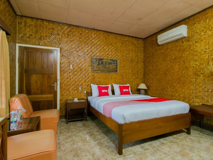 OYO 1924 Hotel Rafflesia Sukabumi - Suite Double Bedroom