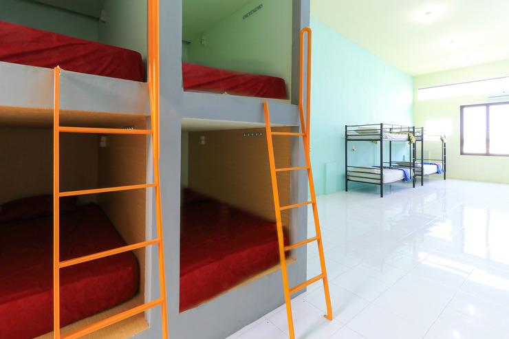 I Stay Hostel Surabaya - Bed