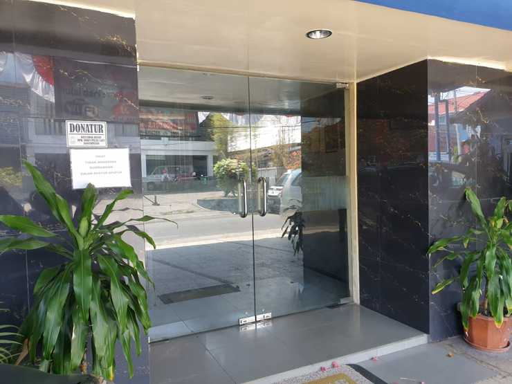 Hotel Kartika  Banjarmasin - Exterior