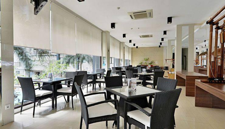 ZenRooms Tangerang Binong - Kafe