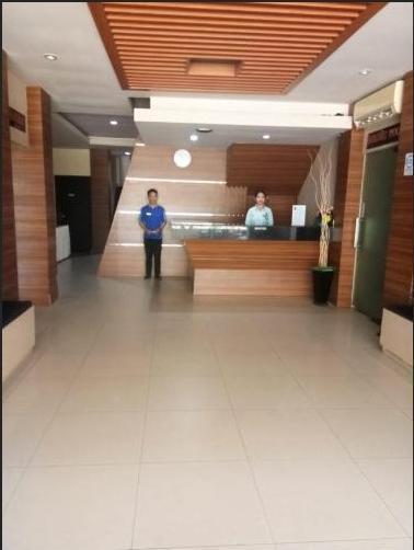 Grand Putri Wisata Hotel Kendari - Receptionist