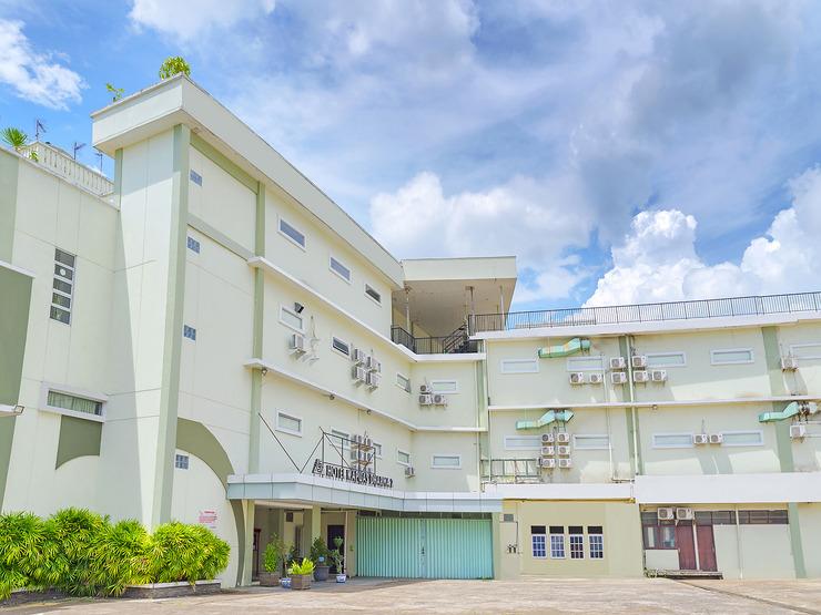 Capital O 988 Hotel Kapuas Dharma 2 Pontianak - facade