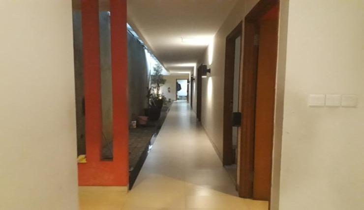 Hotel Pantes Pecinan Semarang Semarang - Corridor