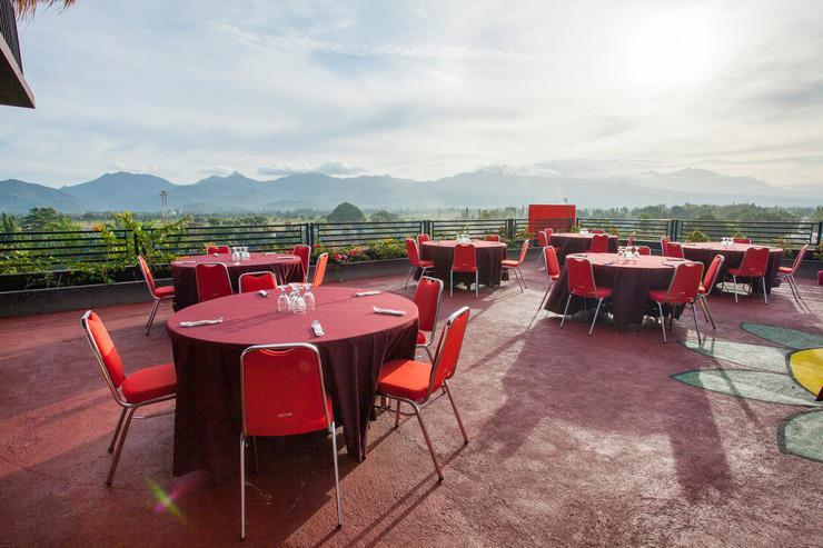 Airy Mataram Ampenan Adi Sucipto 10 Lombok - Restaurant