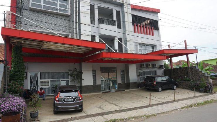 Si Jalak Guest House Bandung - Facade