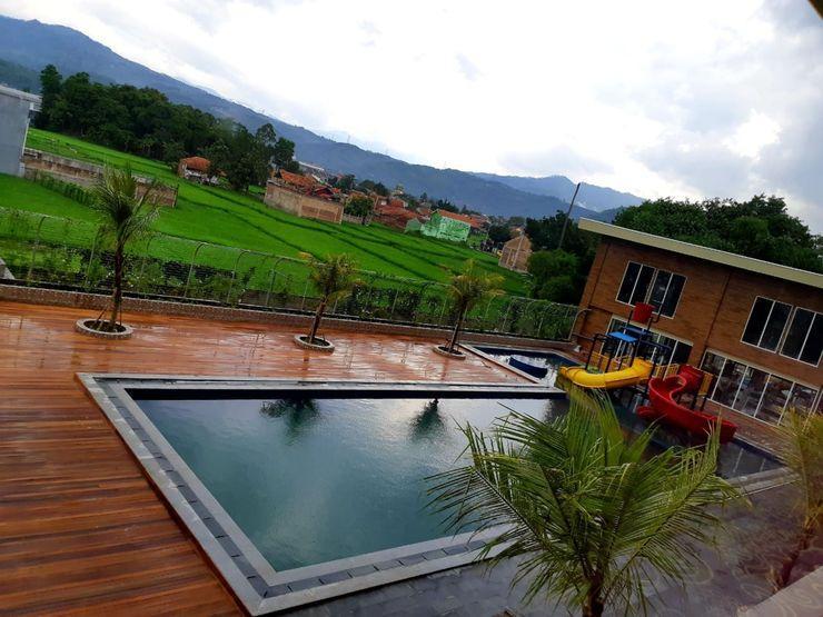 Grand Sunshine Resort & Convention Bandung - Swimming Pool