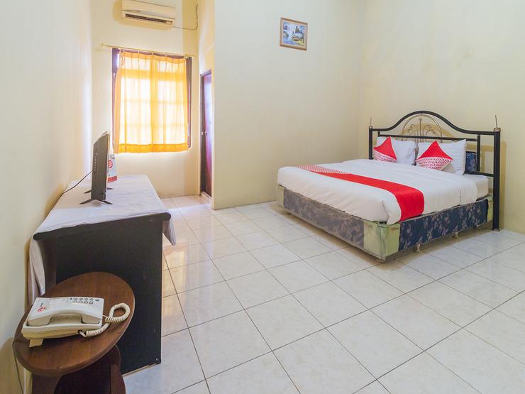OYO 2269 Hotel Astika Ambon - Bedroom