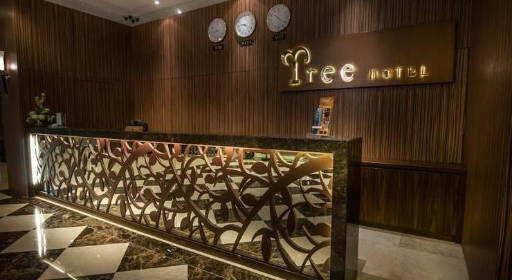 Tree Hotel Makassar - Receptionist
