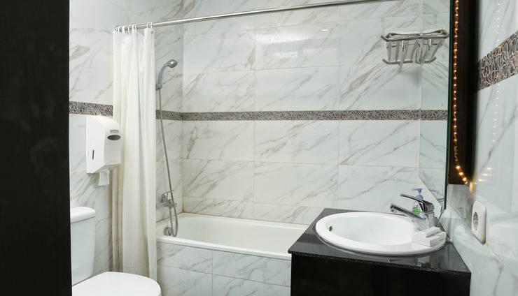 RedDoorz @Ngurah Rai Sanur Bali - Kamar mandi