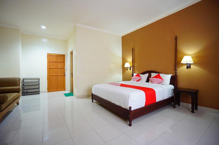 OYO 1429 Bastiana Residence Manado - Bedroom