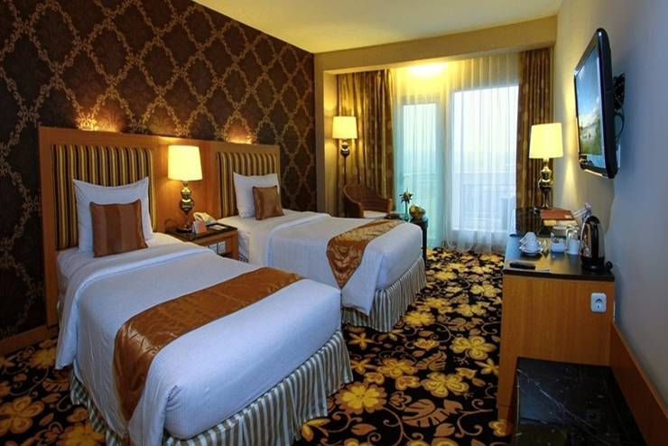 Grand Rocky Hotel Bukittinggi - Kamar Grand Deluxe