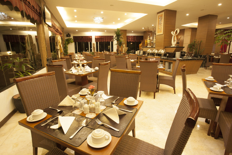 Grand Rocky Hotel Bukittinggi - Restaurant