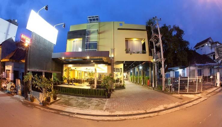 Hotel Grage Jogja - Exterior Night