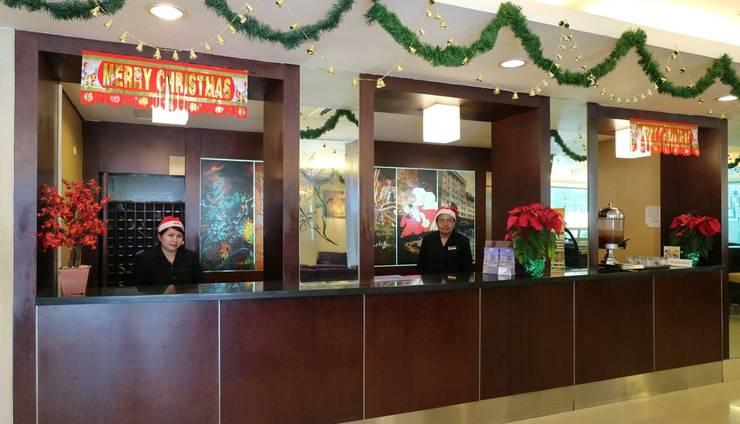 Hotel Melawai Jakarta - Receiptionist