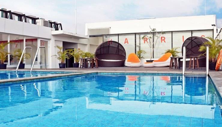 HARRIS Hotel Pontianak - Kolam Renang
