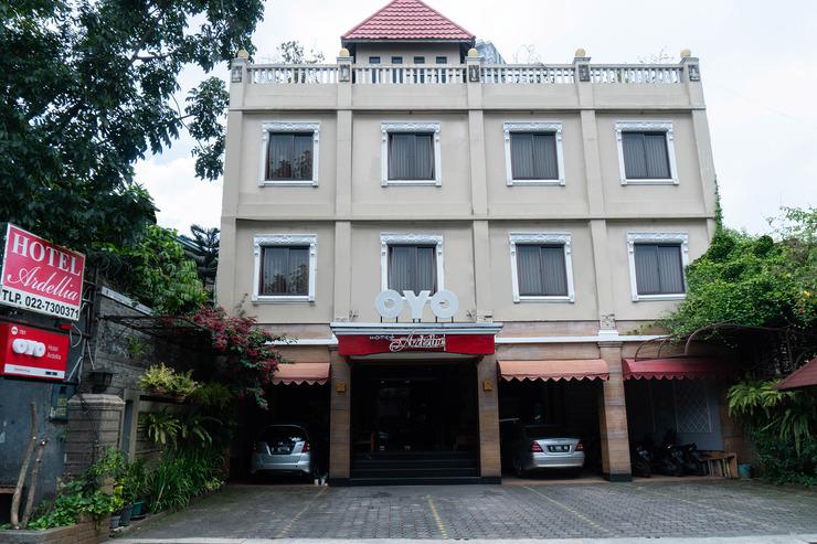 OYO 701 Ardellia Hotel Bandung - facade