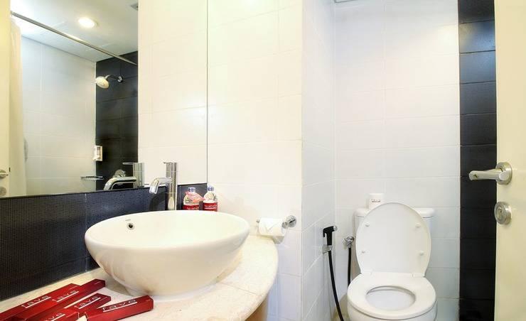 favehotel Adisucipto Solo - Standard Bathroom