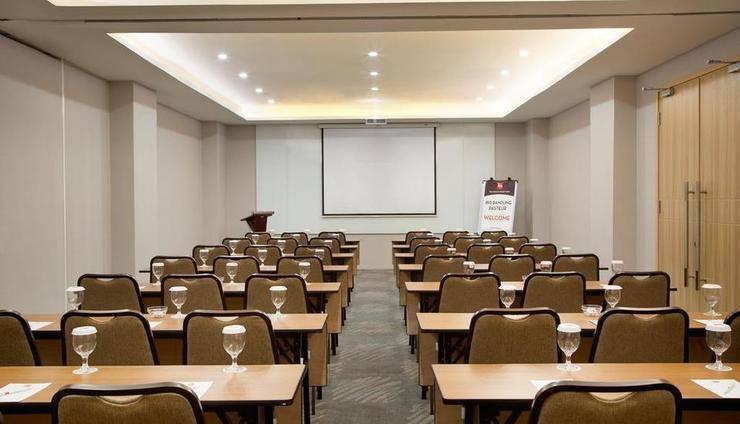 Ibis Bandung Pasteur Bandung - Meeting Room