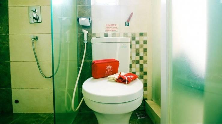 ZenRooms Near PVJ Bandung - Bathroom