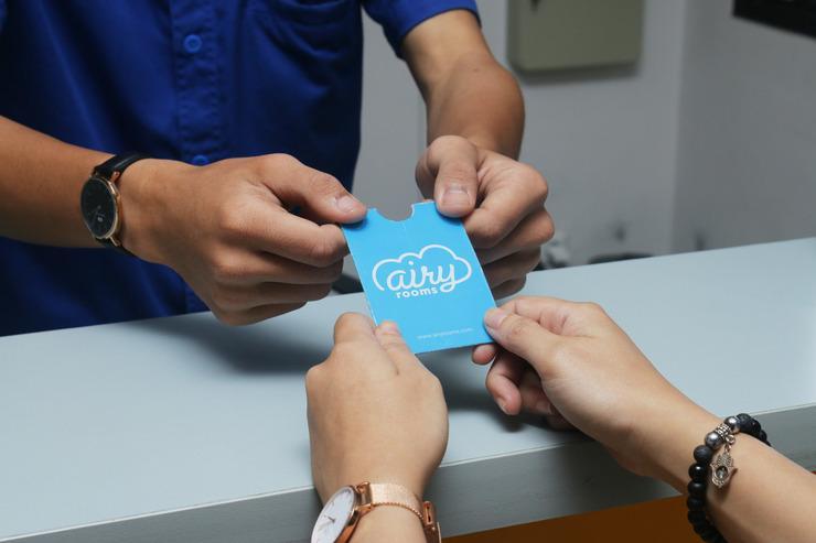 Airy Sukajadi Lemah Neundeut 9 Bandung - Receptionist