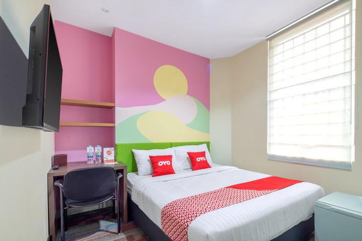 OYO 1121 Orienchi 2 Near RSUD Sawah Besar Jakarta - Bedroom S/D